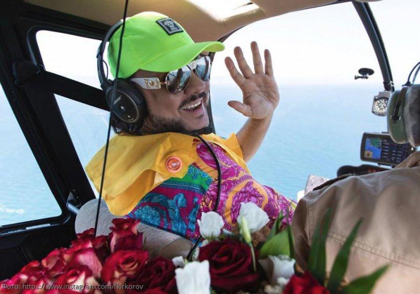 Филипп Киркоров полетал за штурвалом вертолета