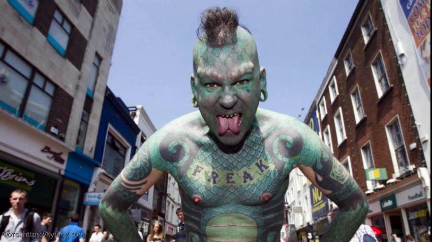 В России провели опрос об отношении граждан к татуировкам