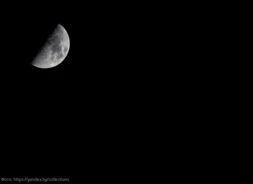 Стрижка на растущую Луну гарантирует космический рост волос