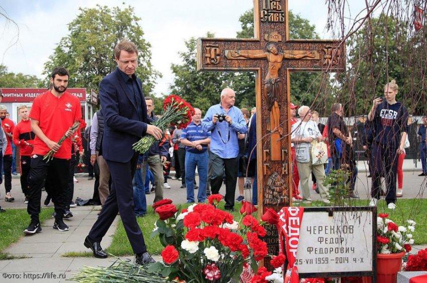 Тренер «Спартака» Кононов поздравил с юбилеем Фёдора Черенкова, который умер 5 лет назад
