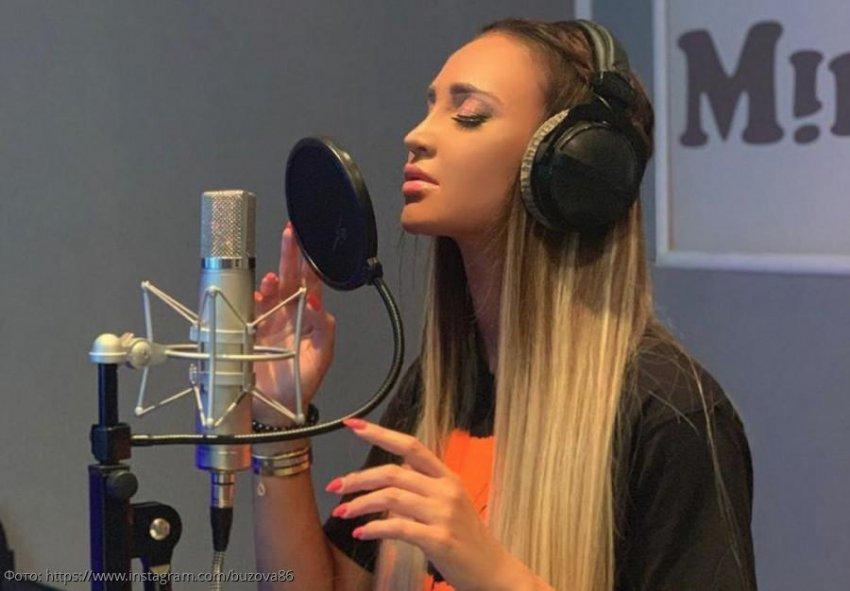 Ольга Бузова провела всю ночь в студии за записью новой песни