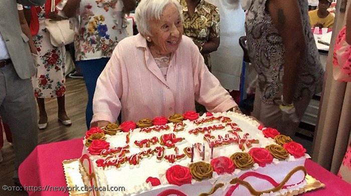 Хорошая еда и никаких замужеств: 107-летняя бабушка раскрыла секрет долголетия