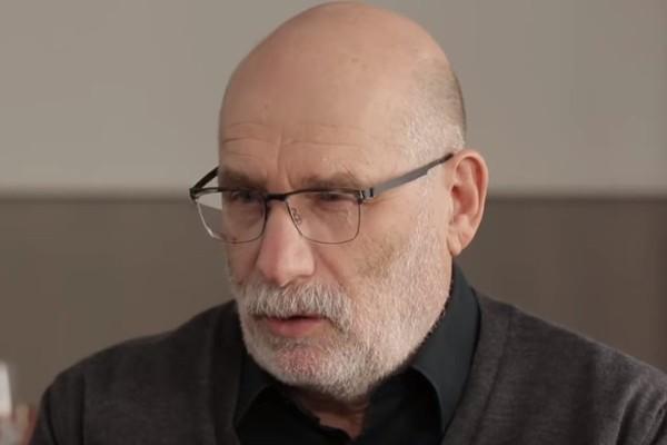 Писатель Акунин назвал крымский референдум