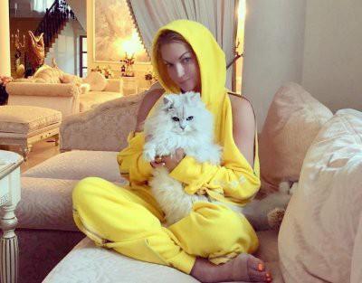 Анастасия Волочкова иногда завидует своему коту Лакки