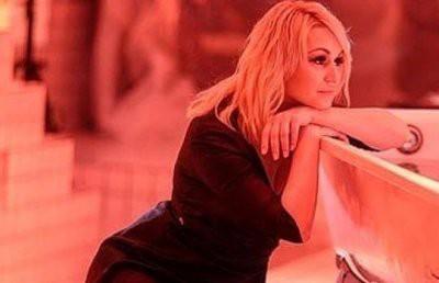 Катя Лель пришла в восторг, что пришлось разделить гримерку с Дмитрием Дюжевым