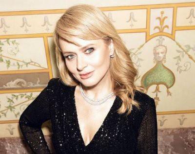 Анна Михалкова показала себя без макияжа