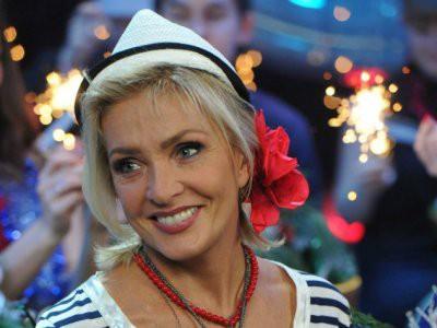 65-летняя Лайма Вайкуле станцевала тверк с группой Kazka