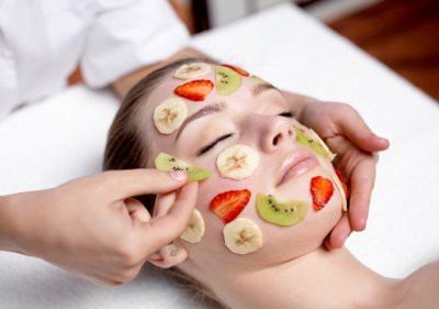 Косметолог рассказала, в чем опасность масок из овощей и фруктов