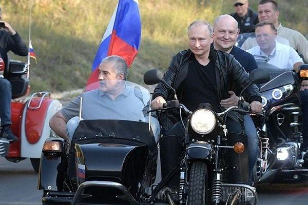 ГИБДД попросили привлечь Путина к ответственности