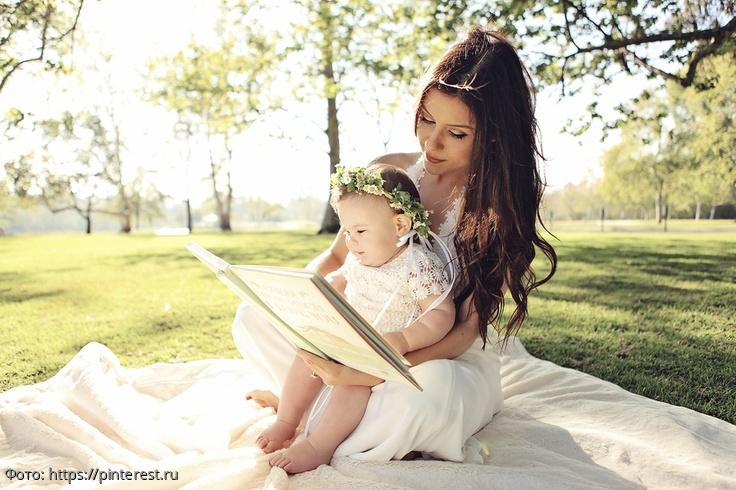 Мать отказалась от больной дочери в роддоме, а когда ее вылечили, потребовала обратно