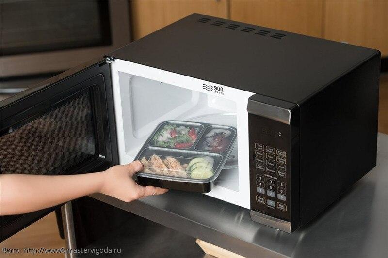 Опасности микроволновой печи: что нельзя греть в микроволновке