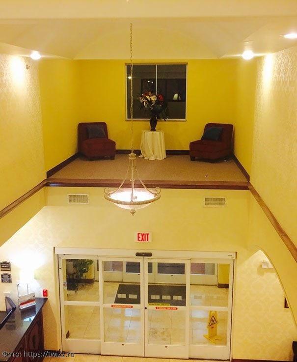 11 фото самого трешового дизайна интерьеров, который видели пользователи Сети