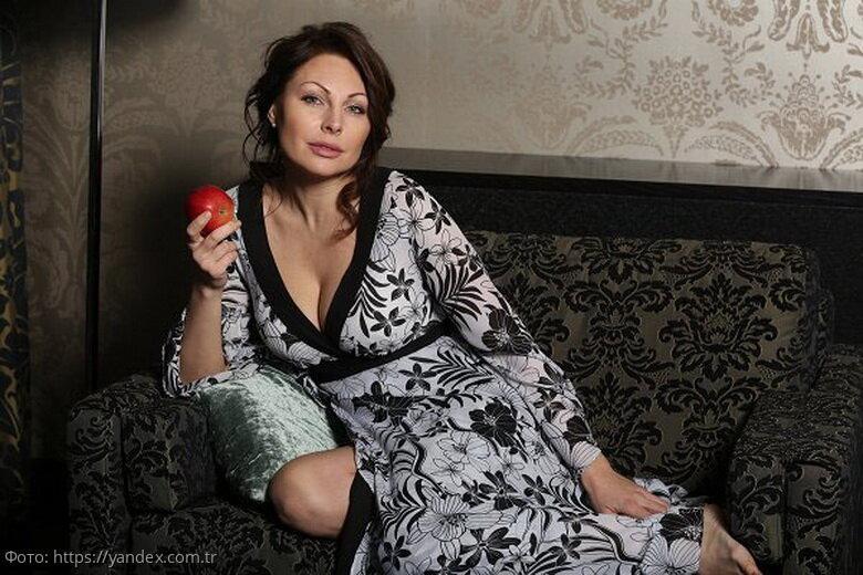 Актриса Наталья Бочкарёва рассказала, как без всяких диет похудела на 60 килограммов