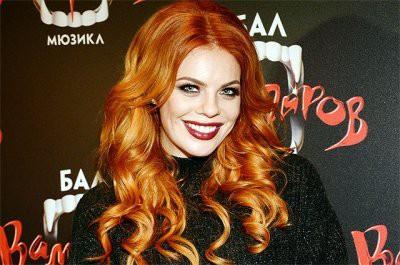 Анна Семенович показала, как выглядит Анастасия Стоцкая без макияжа