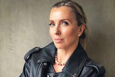 50-летняя Светлана Бондарчук копирует короткие платья Рудковской