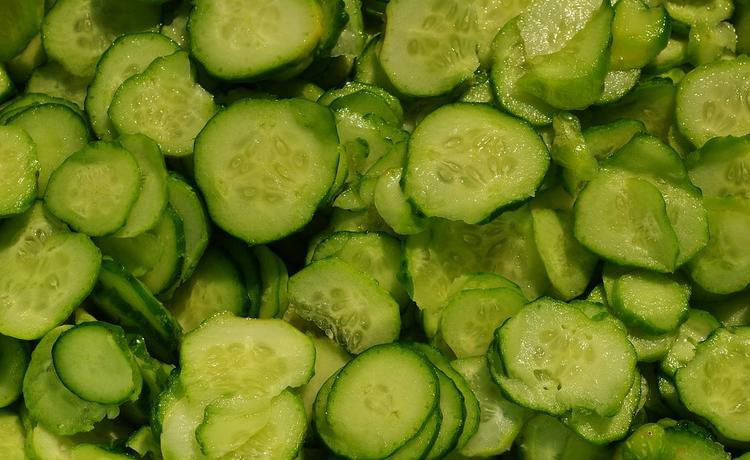 Салат из огурцов на зиму - рецепты без стерилизации и рецепт «Зимний король»