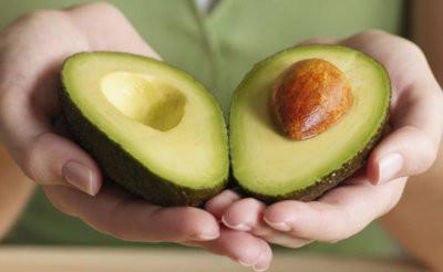 Медики рассказали, к чему может привести употребление авокадо