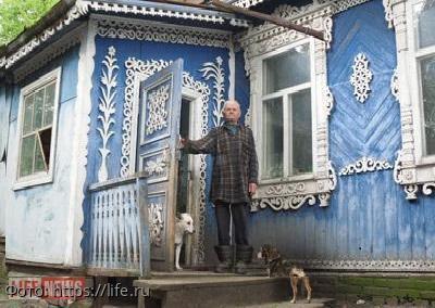 Сельский житель превратил свой дом в настоящее музейное творение