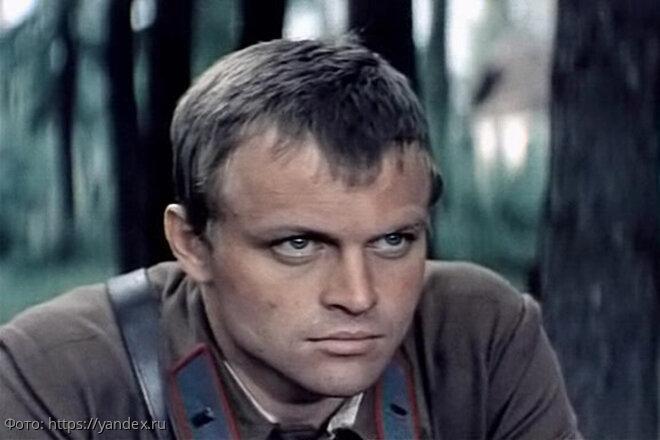 Скандалы, водка и неопознанный труп в морге: судьба актёра Александра Соловьёва
