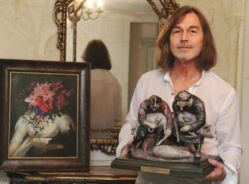 Ценные картины в квартире Никаса Сафронова оказались затоплены соседкой