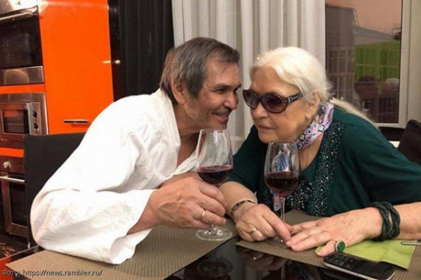 Дочь Лидии Федосеевой-Шукшиной настаивает на разводе матери с Бари Алибасовым