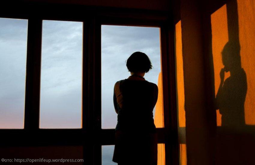 Жена 20 лет ждала пропавшего мужа, но дети сочли маму больной и сдали в психушку