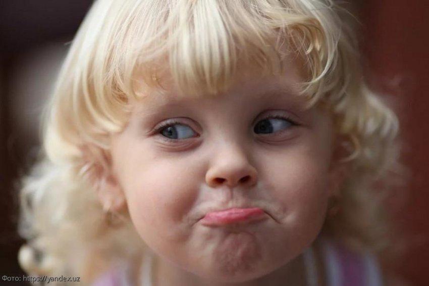 Маленькая дочь нашла в семейном авто респиратор и едва не развела папу с мамой