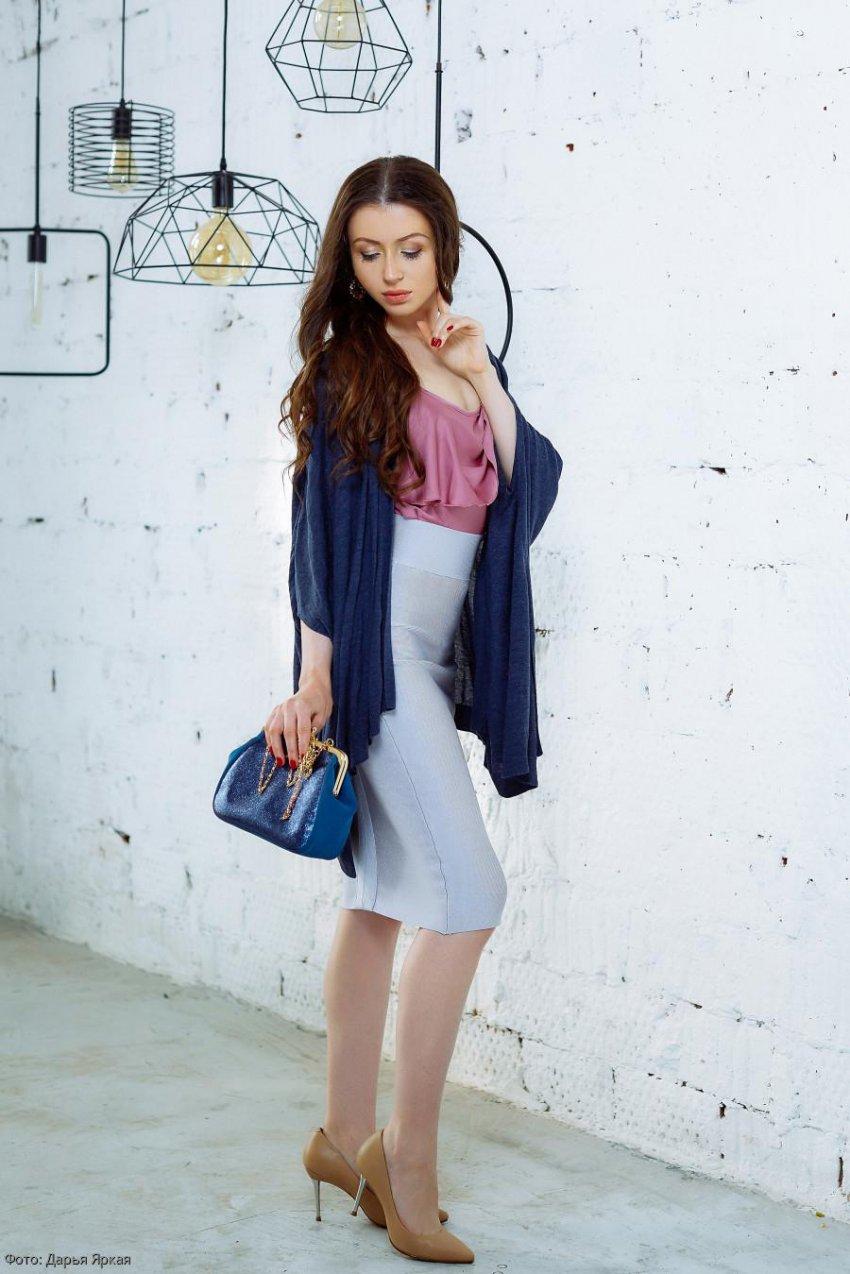 Стилист Дарья Яркая рассказала, как отличить оригинальную брендовую вещь от фальшивки