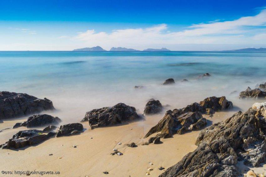 Потрясающие пляжи мира, на которых туристов могут либо убить, либо съесть