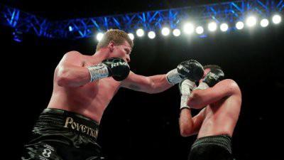 Александр Поветкин победил Хьюи Фьюри в бою за титул WBA International