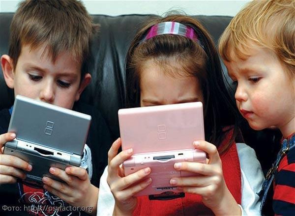 Рособрнадзор разработал методические рекомендации по использованию смартфонов в школах