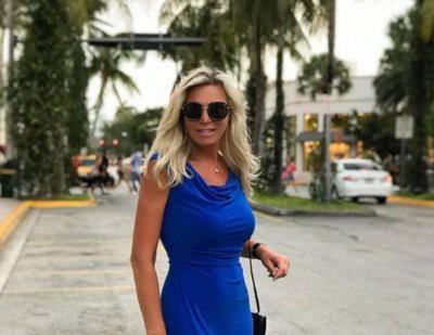 61-летняя Марина Юдашкина появилась на публике в платье-сорочке