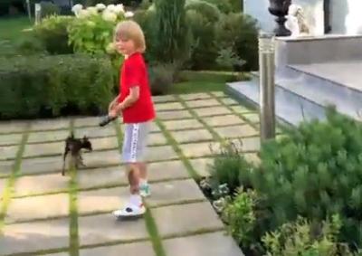Яна Рудковская показала свой сад
