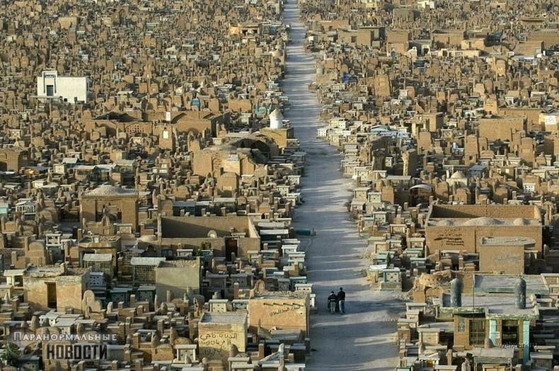 Крупнейшее кладбище в мире заселено агрессивными тенями и упырями | Мистика | Паранормальные новости