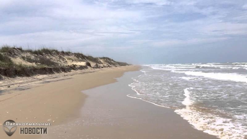 На пляже в Техасе возможно зарыт космический корабль, который отпугивает ураганы | Городские легенды | Паранормальные новости