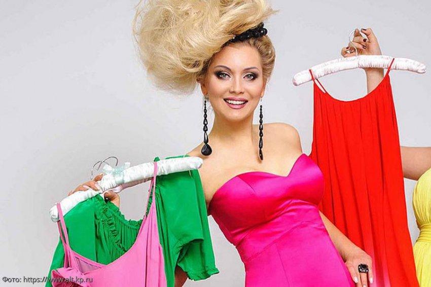 Блогерша Анна Бей поделилась своими рекомендациями для идеального гардероба у каждой женщины