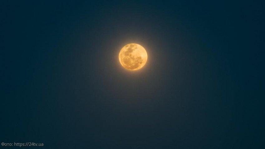 Лунный любовный прогноз с 5 по 11 сентября