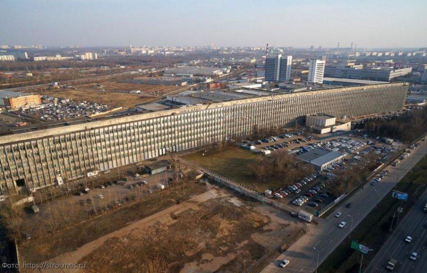 «Лежачий небоскреб» в Москве: История создания, мифы и реальности самого длинного здания столицы