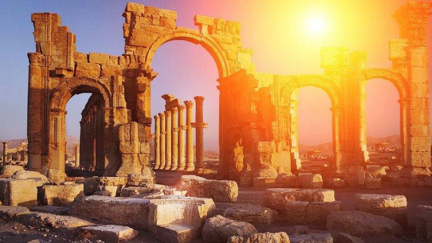 Древнегреческие храмы возводились с помощью подъемных кранов