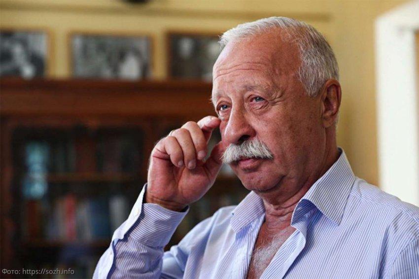 Леонид Якубович получил в отпуске травму колена и оказался в инвалидном кресле