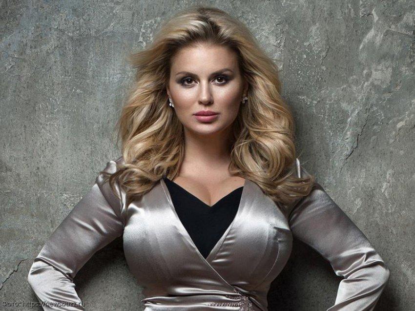 Лена Миро осудила Анну Семенович, которая собирается на ужин с миллионером
