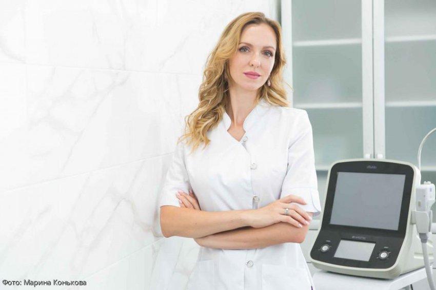 Косметолог-дерматолог Марина Конькова рассказала о правилах выбора матирующих и тонирующих средств для лица