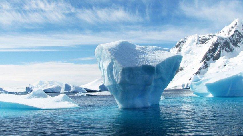 Ученые предупредили о росте разлома в Антарктиде и увеличении радиации