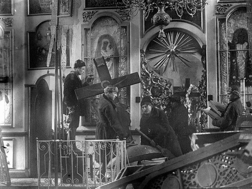 ТОП-4 либеральных мифов о большевиках в Советском государстве