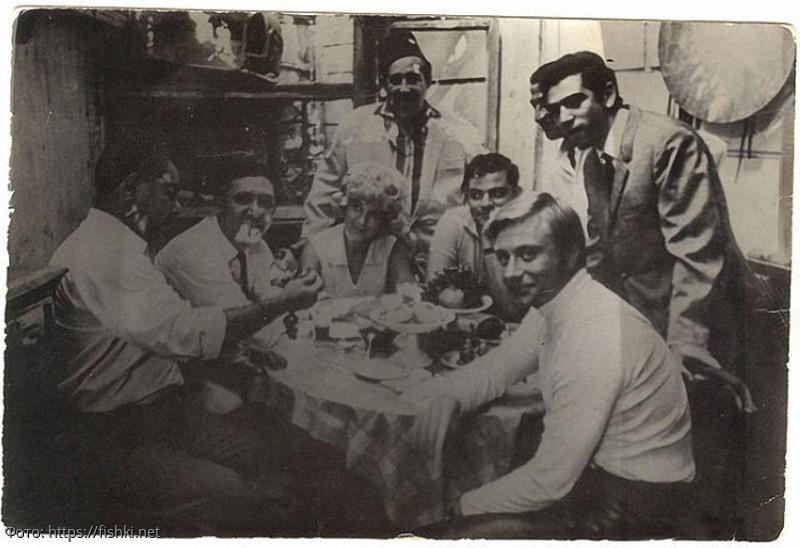 Неизвестный Юрий Никулин: 10 редких фото актёра из личных архивов