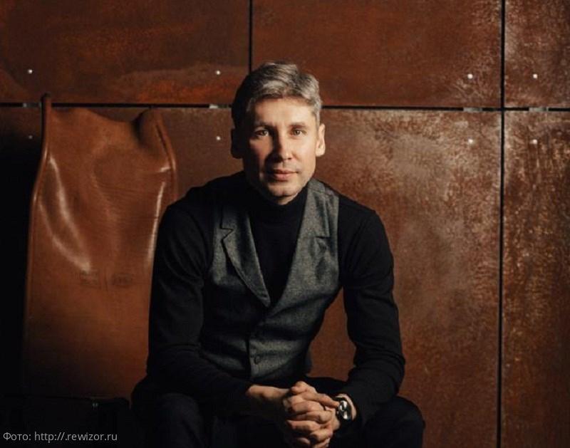 Актёр Арсений Курченков умер на сцене Казанского театра во время спектакля