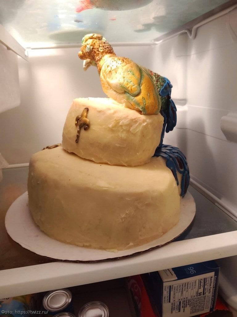 Невеста заказала торт с павлином и чуть не испортила собственную свадьбу