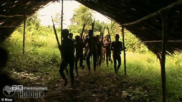 Дикие племена: Мальчик, которого едва не съели соплеменники, рассказал свою историю