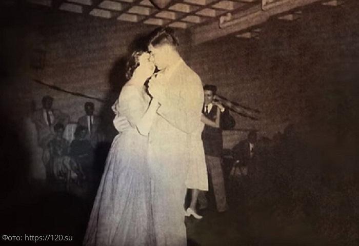 История из жизни: влюблённые, роман которых начался ещё в школе, сыграли свадьбу спустя 64 года