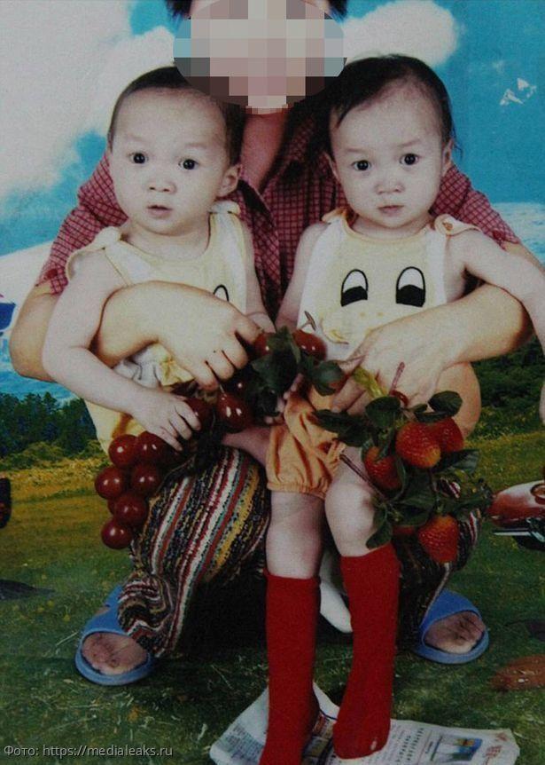Семья решила сделать сюрприз приемной дочке и случайно нашла ее близнеца